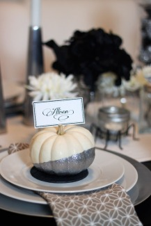dip dyed, glitter, white pumpkin, placecard holder, thanksgiving dinner, holiday, entertaining, tablescape