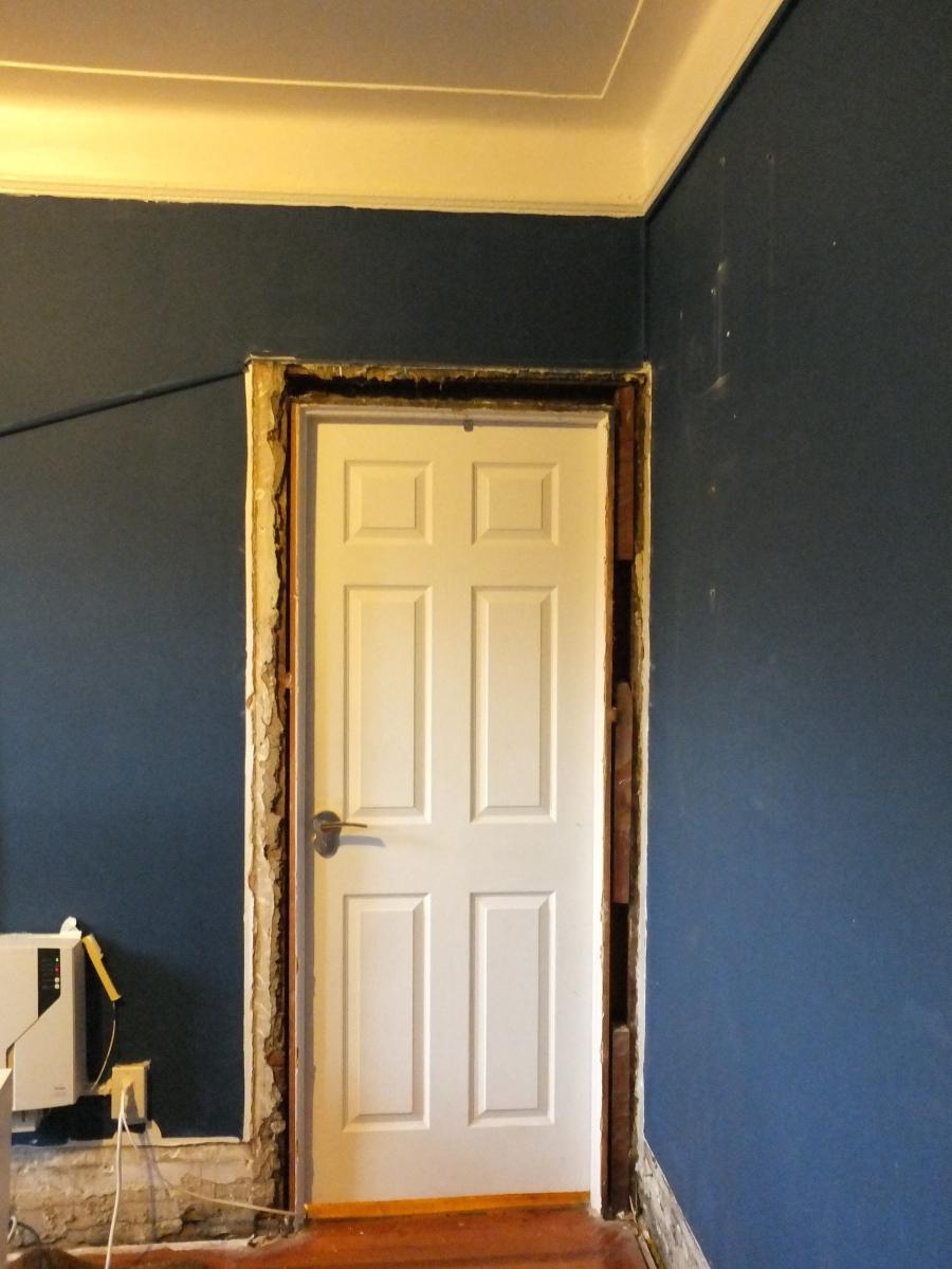 Pre War Construction, Old Plaster, Hundred Year Old House, Jersey City, Jersey City Condo, Renovations, Work in Progress, Removing Molding, Molding, Trim Work, 1920s molding, Lead Paint, Removing Lead Paint