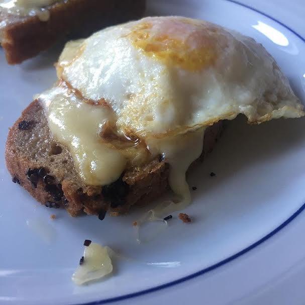 Homemade, Gluten Free Bread, Gluten Free Egg Sandwich, Egg Sandwich, Egg Sammy, Fried Egg, Yum, Delish, Delicious, Breakfast, Brunch, Weekends,