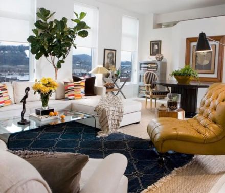 Layered Rugs, Color Pops, Accent Color, Pops of Blue, Pops of Yellow, Living room, Decor, Design, Decor Trend, Design Trend, Rug Pile,